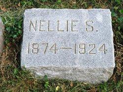 Nellie Stuart <i>Dellinger</i> Artz