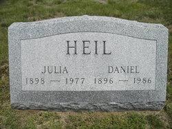 Julia Heil