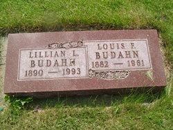 Lillian L. <i>Sukow</i> Budahn