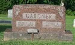 Daniel T Gardner