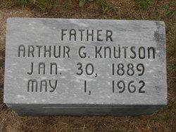 Arthur G Knutson