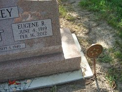 Eugene R Bailey