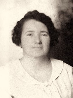 Amy <i>Tanner</i> Collins