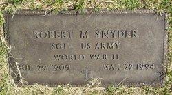 Robert M Snyder