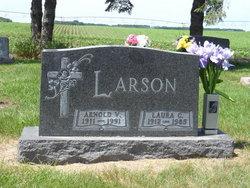 Laura <i>Ellis</i> Larson