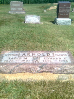 Sadie M. <i>Breese</i> Arnold