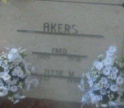Zettie M Akers