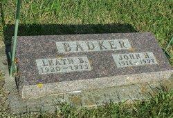 Leath Barbara <i>Strain</i> Badker