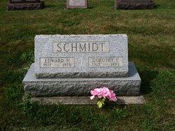 Dorothy E <i>Fiegle</i> Schmidt