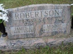 Minnie Robertson