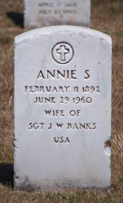 Annie S Banks