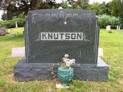 Christine <i>Risbrudt</i> Knutson