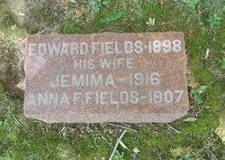 Anna F. <i>Fields</i> Bennett