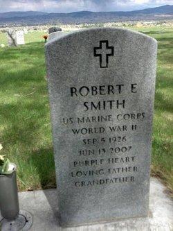 Robert E Smith