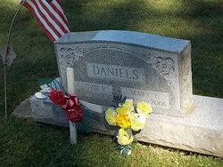 Lloyd R Daniels, Sr
