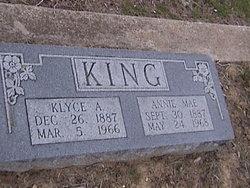 Annie <i>Bishop</i> King