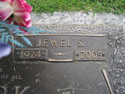 Jewel <i>Swearengin</i> Clark