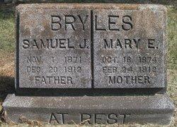 Mary E Bryles