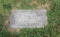 Elige Alfred Brooks