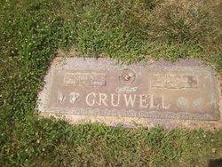 Don D Gruwell