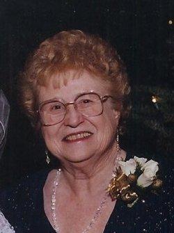 Margaret Phyllis <i>Dills</i> Auld