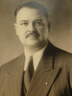 Leon Stanley Lukaszewski, Sr