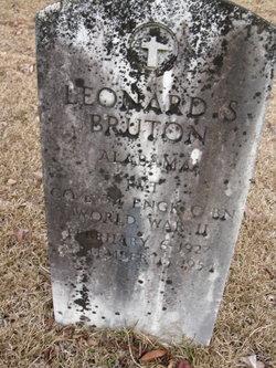 Leonard Bruton