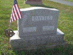 Erle Idris Poppy Davies