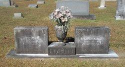 Grova <i>Quinn</i> Staples