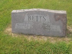 Violet E Betts