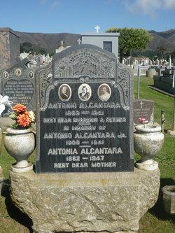 Antonia Alcantara