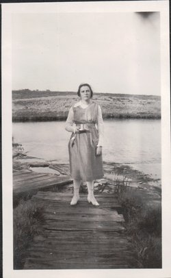 Dorothy <i>Durfee</i> Rosten