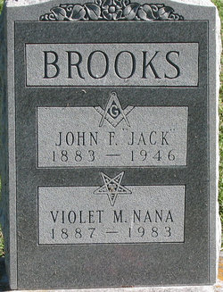 Violet M Nana Brooks