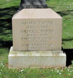 Bronson Tufts