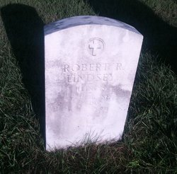 Robert R Lindsey