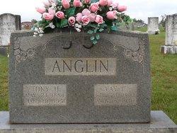 Vay <i>Chandler</i> Anglin
