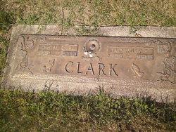 Oscar E Clark, Sr