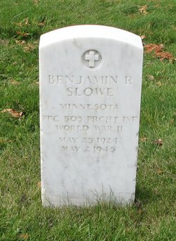 Benjamin R Slowe