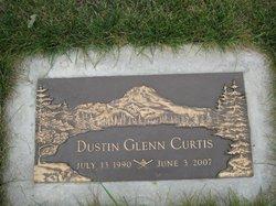 Dustin Glen Curtis