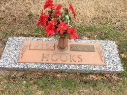 Clifford Hooks