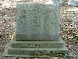 Leon Logan Smith