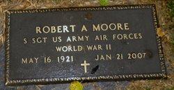 Robert Aquila Moore