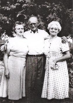 Dorothy Elizabeth <i>Weis</i> Young