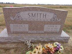 Maude Irene <i>Gholson</i> Smith