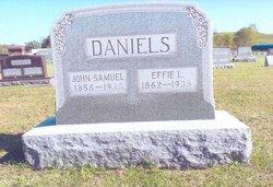 Effie L Daniels