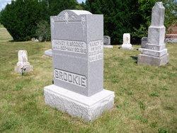 Nancy E <i>Sims</i> Brookie