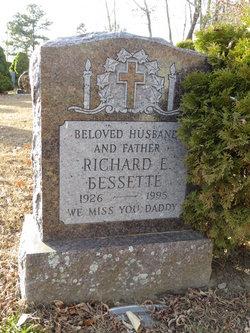 Richard Elmer Bessette