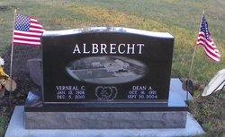 Verneal <i>Wiechmann</i> Albrecht