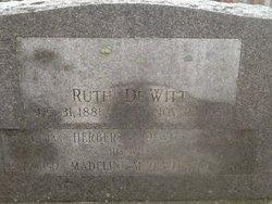 Ruth <i>Tracy</i> DeWitt
