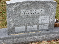Frances Elizabeth <i>Kallock</i> Yarger